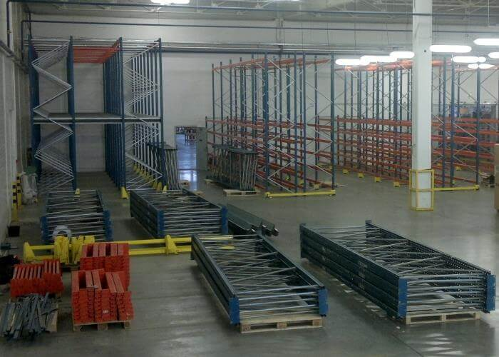 Демонтаж складских стеллажей